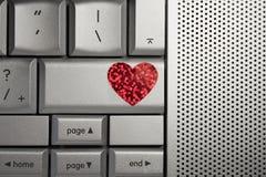 Сердце влюбленности для датировка интернета стоковая фотография