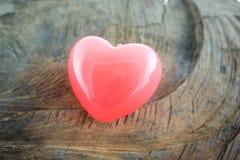 Сердце красного цвета предпосылки дня валентинок Стоковые Фото