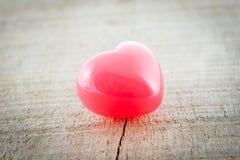 Сердце красного цвета предпосылки дня валентинок Стоковые Изображения