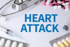 сердце нападения держит человека Стоковое Фото