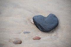 Сердце на пляже стоковая фотография