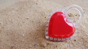 Сердце на Valentine& x27; день s к вам самостоятельно стоковые изображения rf