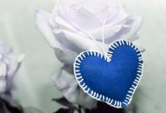 Сердце дня одного ` s валентинки предпосылки голубое Стоковые Фотографии RF