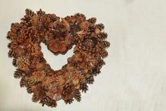 Сердце сделало pinecones Стоковые Фото