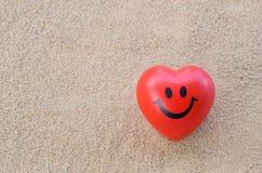 сердце элемента конструкции пляжа романтичное стоковые фотографии rf