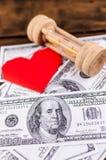 Сердце, sandglass & банкноты Стоковая Фотография RF