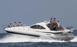 Сестра короля плавания Испании Cristina de Borbon на ее яхте с ее детьми и другими Стоковое Изображение RF