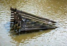 Сеточный антиобледенитель перед Карловым мостом Стоковое Фото