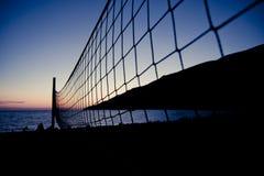 сетчатый волейбол захода солнца Стоковое Изображение RF