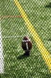 Сеть и футбол ` s биржевого игрока на боковой линии Стоковые Фотографии RF