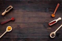 сеть универсалии шаблона страницы меню приветствию конструкции карточки предпосылки Пустой космос около ветроуловителей и ложек с Стоковое Фото