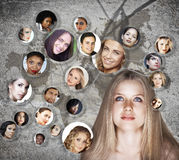 Сеть social молодой женщины иллюстрация вектора