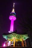 СЕУЛ - 17-ОЕ ДЕКАБРЯ: Башня n Сеула Стоковое Фото