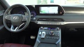 Сеул, Южная Корея 15-ое декабря 2018 Палисад Hyundai автомобиля внутренний новый сток-видео