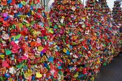 Сеул, Южная Корея - 17-ое марта 2019: Padlocks любов на башне n Сеула, Namsan, Сеуле, Корее стоковые фото