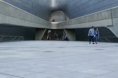 Сеул, Корея 19-ое мая 2017: Площадь дизайна Dongdaemun Стоковое фото RF