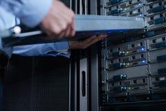 Селективный фокус сервера шкафа стоковые изображения rf