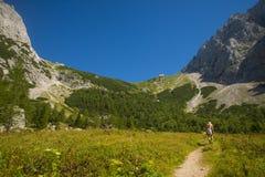 Седловина Kamnik, горные вершины Kamnik Savinja, Словения Стоковое фото RF