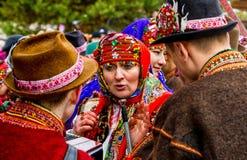 Седьмое этническое рождество фестиваля воспевает в старой деревне Стоковое Фото
