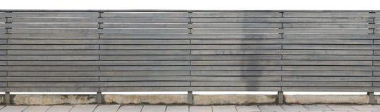 Сельская длинная твердая загородка сделана из горизонтальных деревянных доск a Стоковые Фото