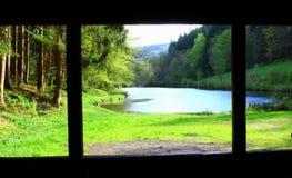 Сельская местность через окно стоковые фотографии rf
