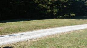 Сельская дорога гравия Каролины стоковое фото