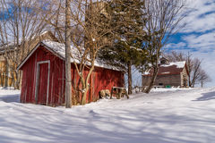 Сельская сцена фермы в снеге Стоковые Фотографии RF