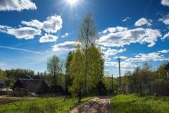 Сельский ландшафт на солнечный день Стоковое фото RF