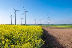 Сельский ландшафт с windwheels Стоковое Изображение RF