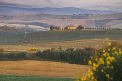 Сельский дом в Тоскане, Италии стоковые изображения
