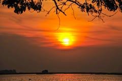 Сельское река с восходом солнца Стоковое Изображение
