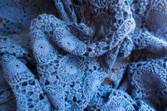 Сжатое бледное - голубая старомодная кружевная ткань Стоковая Фотография RF