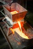 Сибирь, Россия - 13-ое августа 2014: moulting золото Стоковые Изображения