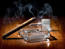 Сигара и лихтер Стоковое фото RF