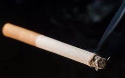 сигарета предпосылки черная Стоковая Фотография RF