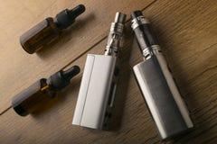 Сигарета e или электронная сигарета для vaping mods стоковые фото