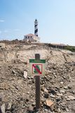 Сигнал запрещенный штабелировать вверх камни и маяк Стоковые Изображения