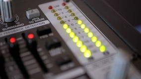 Сигнал индикатора СИД ровный на ядровой смешивая консоли акции видеоматериалы