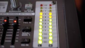 Сигнал индикатора СИД ровный на ядровой смешивая консоли сток-видео