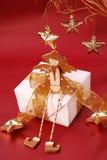 сидеть подарка коробки ангела деревянный Стоковая Фотография RF