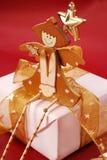 сидеть подарка коробки ангела деревянный Стоковые Изображения