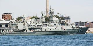 СИДНЕЙ, АВСТРАЛИЯ - 5-ое октября 2013: Военные корабли на австралийском n Стоковые Фотографии RF