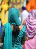 Сикхская женщина с длинными черными волосами Стоковые Изображения RF