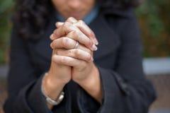 Сила молитвы в саде молитве стоковые фотографии rf