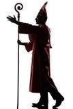Силуэта епископа человека благословение кардинального салютуя Стоковое Фото