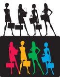 силуэты девушок ходя по магазинам Стоковая Фотография RF