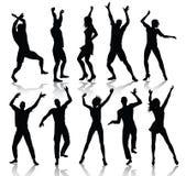 силуэты людей танцы Стоковые Изображения RF