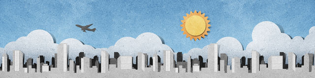 силуэты панорамы корабля города рециркулированные бумагой Стоковое фото RF