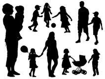 силуэты семьи Стоковые Изображения RF