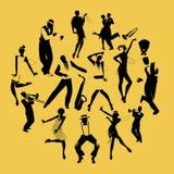 Силуэты танцоров танцуя Чарлстон и джазовых музыкантов иллюстрация штока